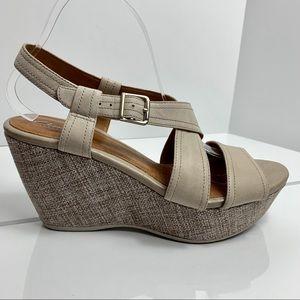 CLARKS Nadene Ziva sandal wedge 10